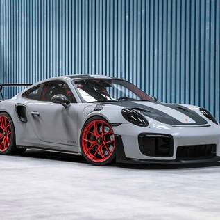 Porsche 911 GT2 RS_Front.jpg