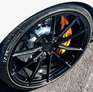 VS10 m5 front wheel.jpg