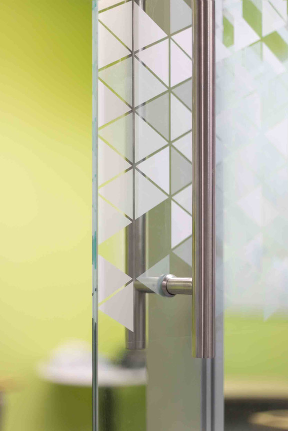 14-Frosted Glass Detail.jpg