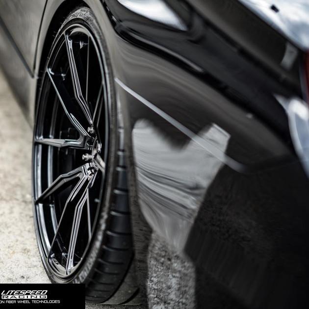 VS10-gloss black-rear.jpg