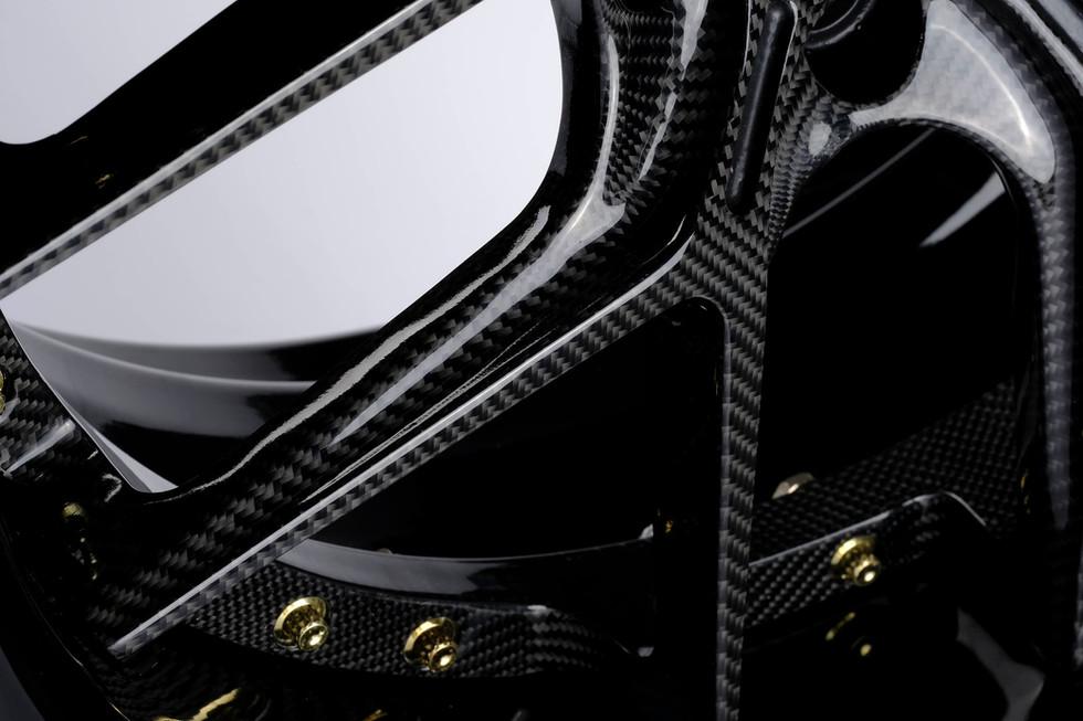 RS5 carbon center spoke.jpg