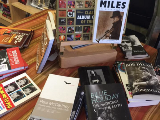 Gift Ideas for Avid Readers and Music Lovers
