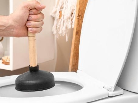 Como desentupir vaso sanitário?