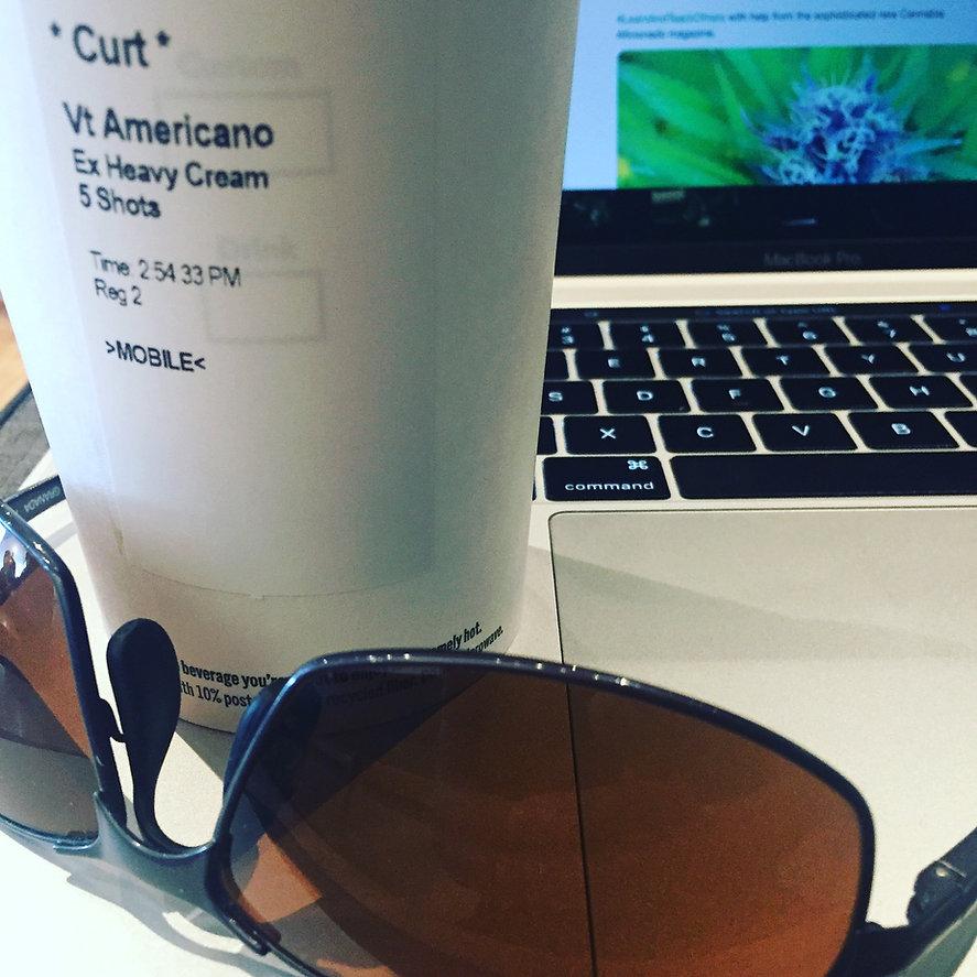 curt robbins laptop sunglasses coffee.jp