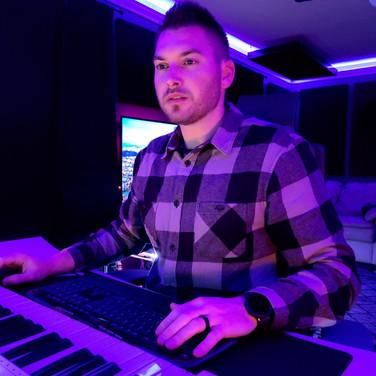 Tunes Recording Studio Engineer