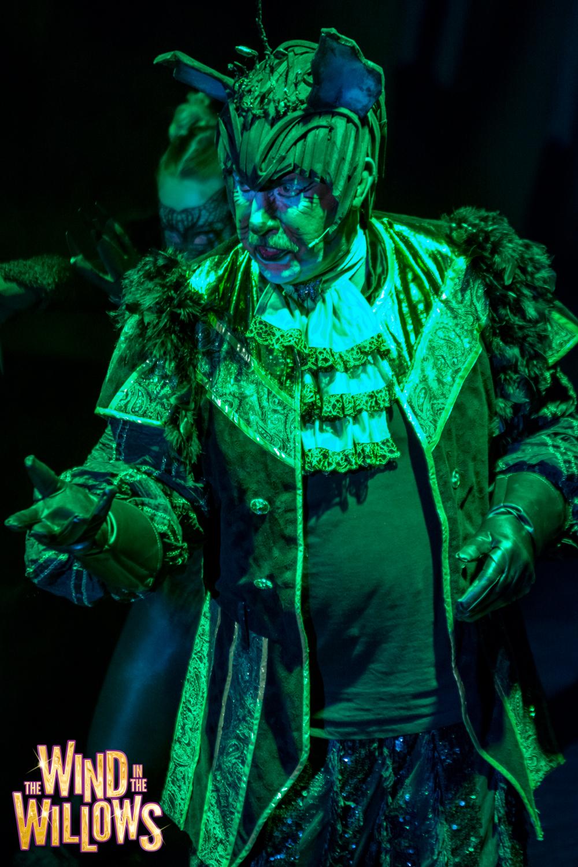Steve Arnott as Weasel King