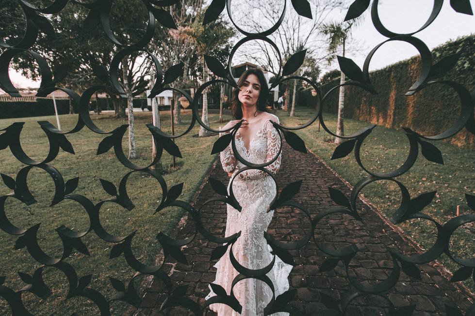 vestido de noiva com manga londrina