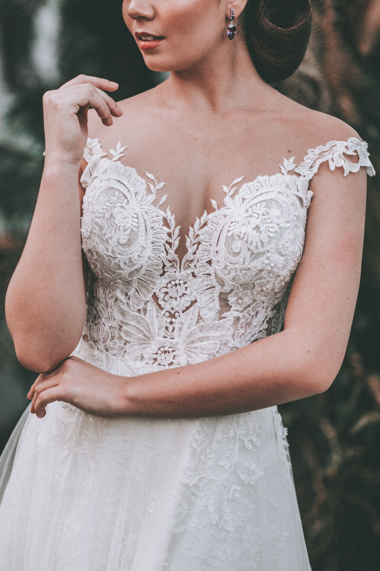 vestido de noiva decote londrina