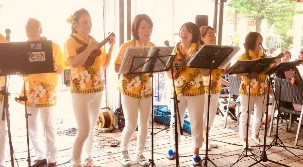 フラリエBBQパーティーでISLAND LIFEチームが演奏して盛り上がりました!