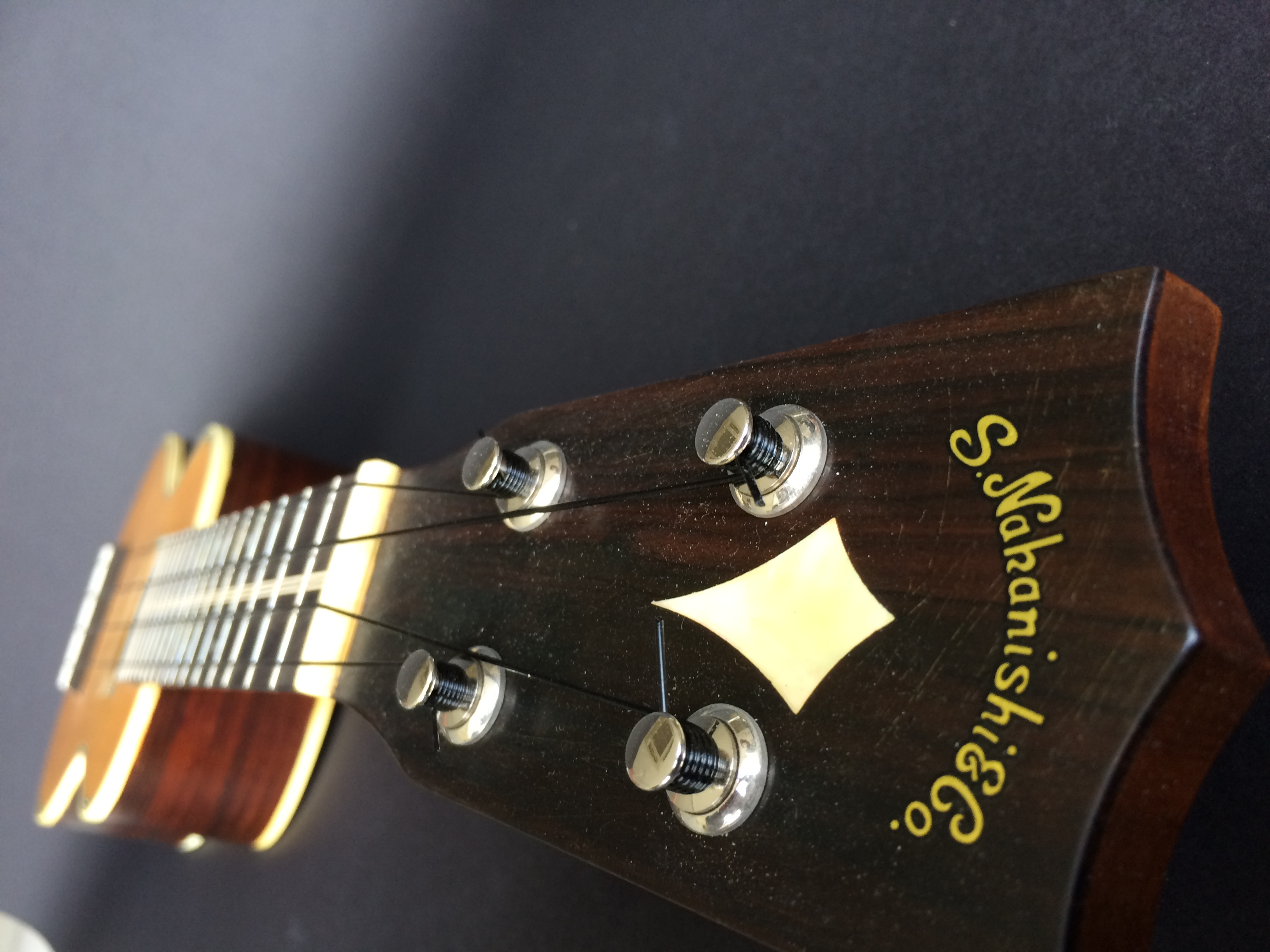 今は幻のNakanishi ukulele