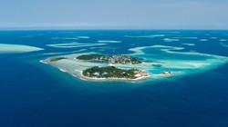 kandooma115_-_surfing_maldives_holiday_inn_resort_kandooma