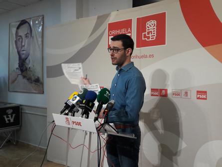El PSOE denuncia la falta de transparencia sobre las multas de tráfico y el AUDI de alcaldía y anunc