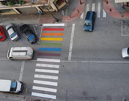 PSOE se opone a la retirada de los colores LGTBI en los pasos de peatones