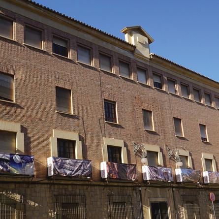 El edificio de los antiguos juzgados sigue esperando su rehabilitación mientras Orihuela paga alquil