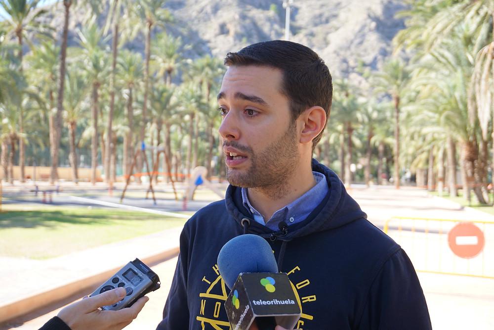 Víctor Ruiz, PSOE Orihuela, Deportes, Polideportivo, escuelas deportivas, atletismo, desfibriladores, competiciones, policía, transportes
