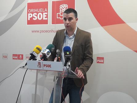 """Zapata asegura que """"el silencio y la connvivencia del equipo de gobierno matan Cala Mosca"""""""