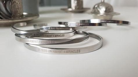 """Bracelet magnétisé """"Je suis un aimant à"""