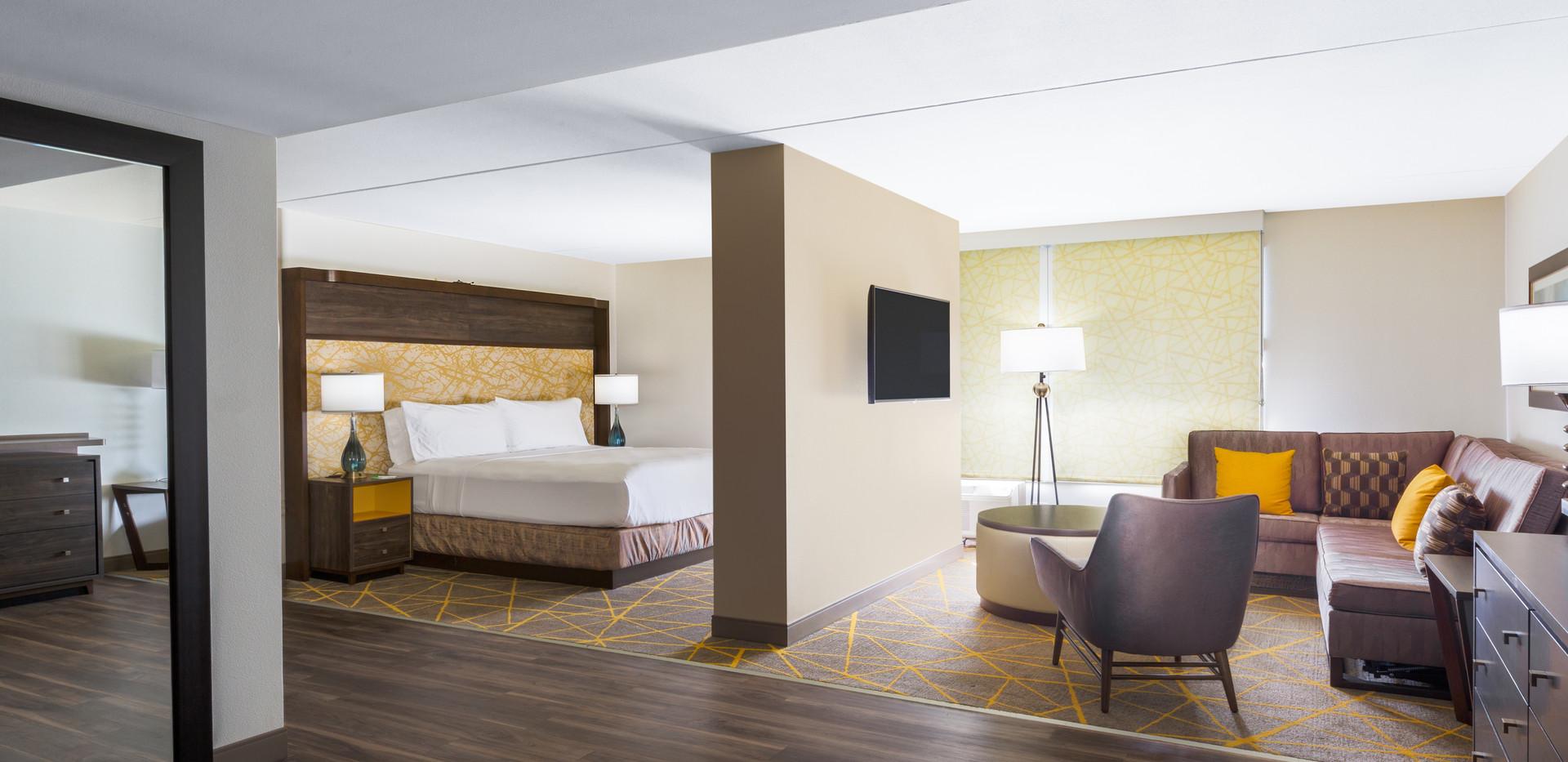 Holiday Inn La Mirada King Deluxe Room