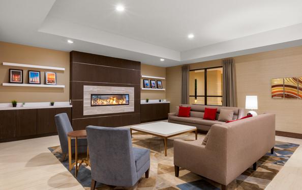 Holiday Inn La Mirada Lobby Fireplace Se