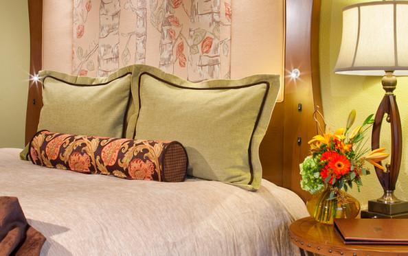 King Bed Vingette