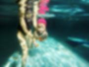 child-in-the-swimming-pool_t20_Al1kz1 (1