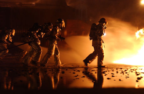 firefighter-805444.jpg