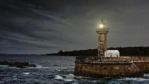 lighthouse-2028507.jpg