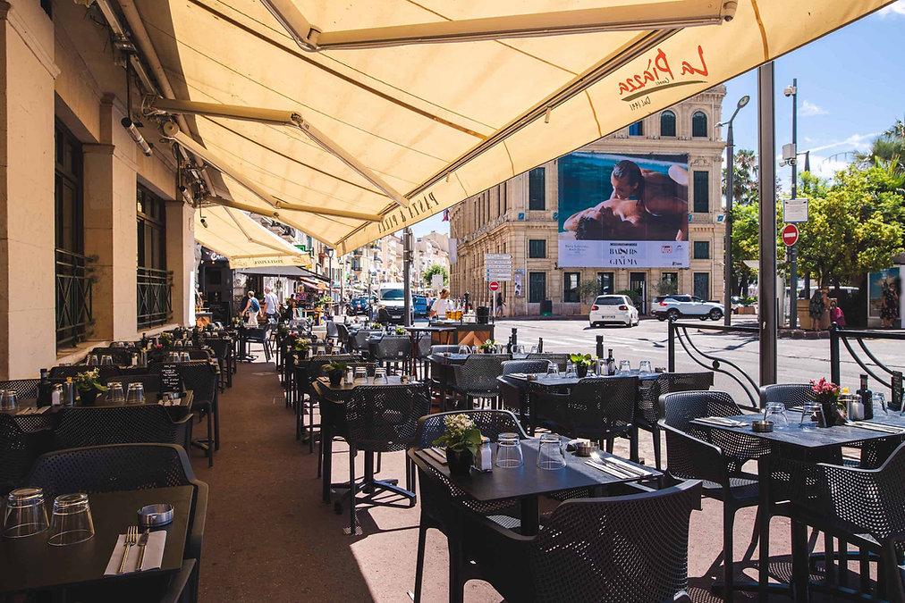 La Piazza restaurant, pizzéria, brasserie à Cannes à proximité de la Mairie