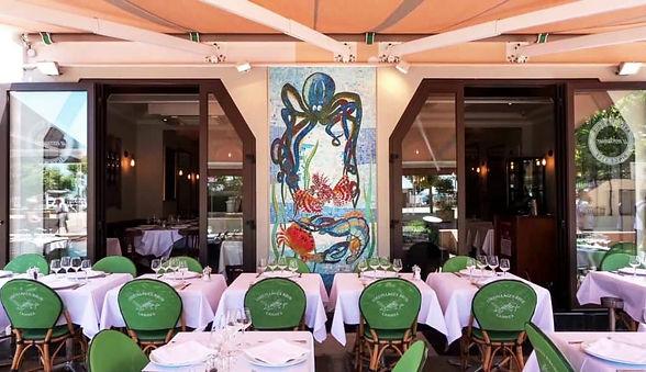 Astoux et Brun le Restaurant et sa terra