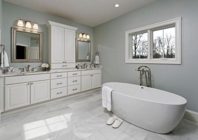 Luxury Master Bath with Soaking Tub