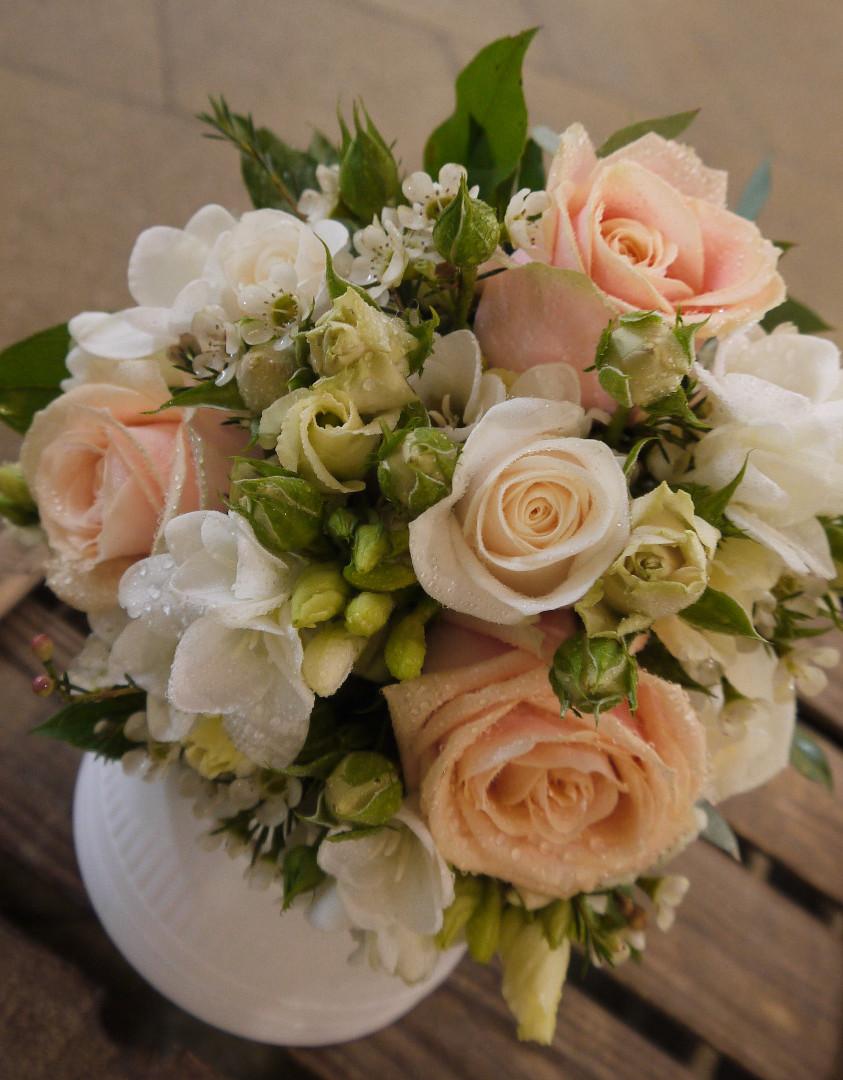Peachs and Cream Bouquet