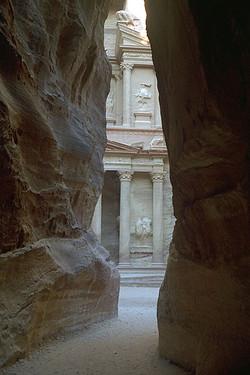 Petra a Siq Treasury - Khazneh