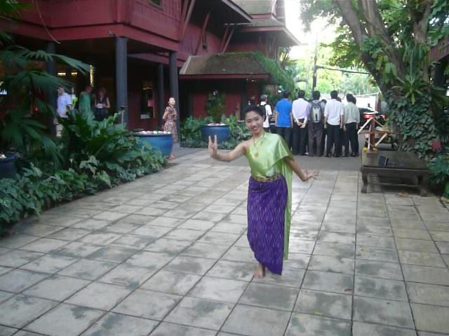 Dancer at jim Thompson's Silks