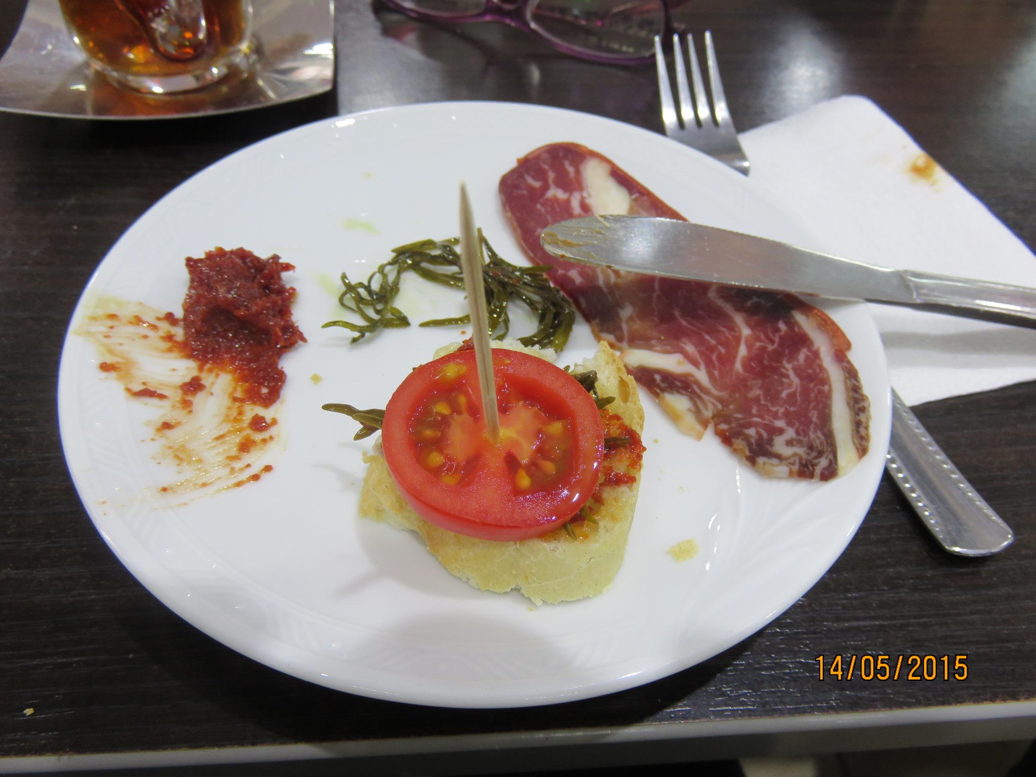 tomato, pastrouma and dip