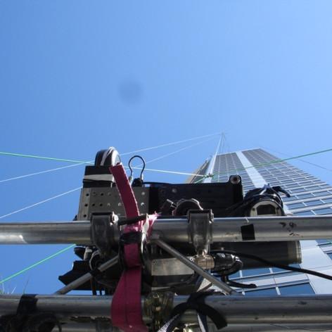 Stunt rigging descender