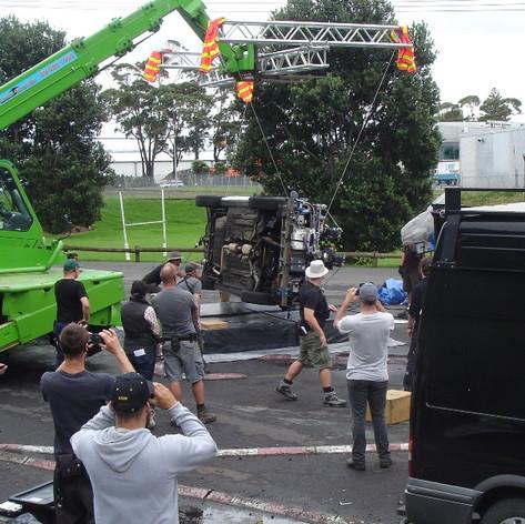 Stunt rigging car