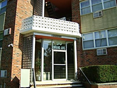 90 Grand Ave, Hackensack