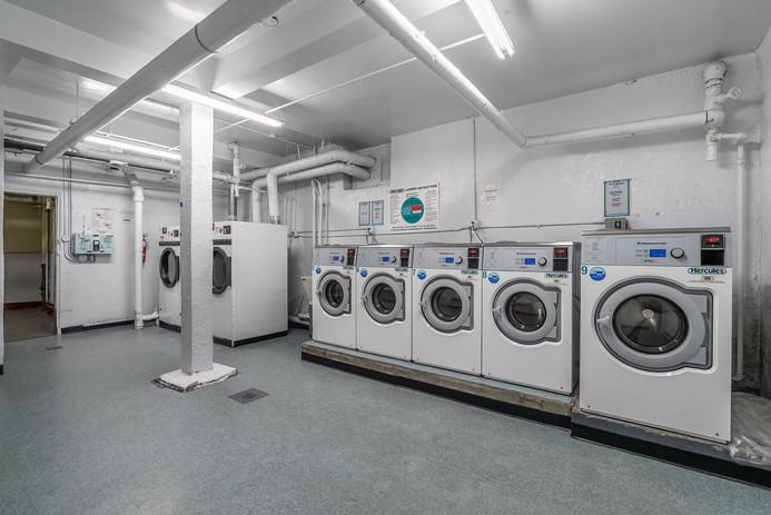 11406 Queens Blvd Unit Apt B9-large-018-017-Laundry-1497x1000-72dpi.jpg