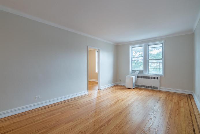 11406 Queens Blvd Unit Apt B9-large-004-002-Living Room-1498x1000-72dpi.jpg