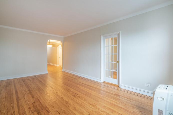11406 Queens Blvd Unit Apt B9-large-005-004-Living Room-1498x1000-72dpi.jpg