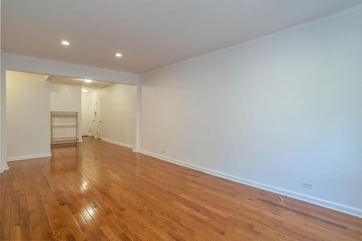 11034 73rd Rd Unit 5M Queens-large-010-005-Living Room-1498x1000-72dpi.jpg