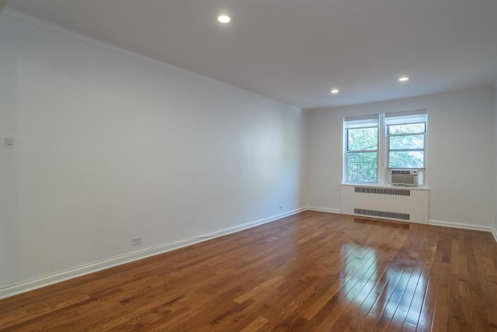 11034 73rd Rd Unit 5M Queens-large-009-003-Living Room-1498x1000-72dpi.jpg