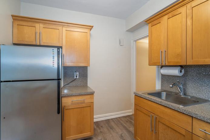 11406 Queens Blvd Unit Apt B9-large-011-012-Kitchen-1498x1000-72dpi.jpg