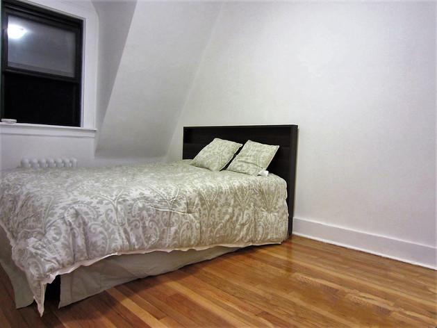 7 - bedroom1.jpg