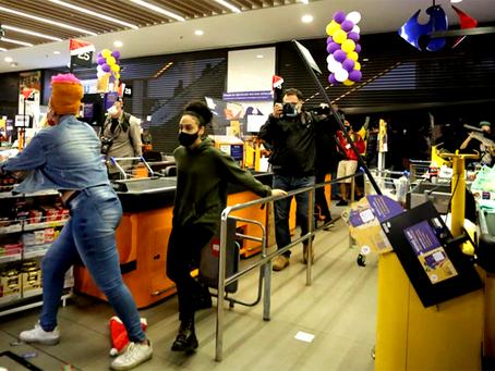 Protestos contra o racismo tomam o país após assassinato no Carrefour