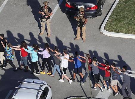 """""""Por que tantos tiroteios acontecem nas escolas dos EUA?"""""""