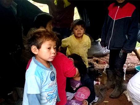 """""""As violências da fome e do desabrigo: talvez as piores crueldades de uma política indigenista"""