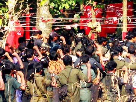 """""""Dentro de um Campo Maoísta: A cidade no meio de uma floresta em Jharkhand"""""""