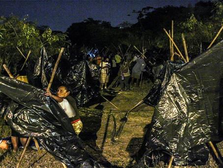Trabalhadores sem teto ocupam terreno em Niterói