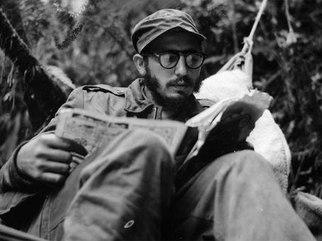 """""""Primeira intervenção de Fidel Castro pela Rádio Rebelde em 1958"""""""